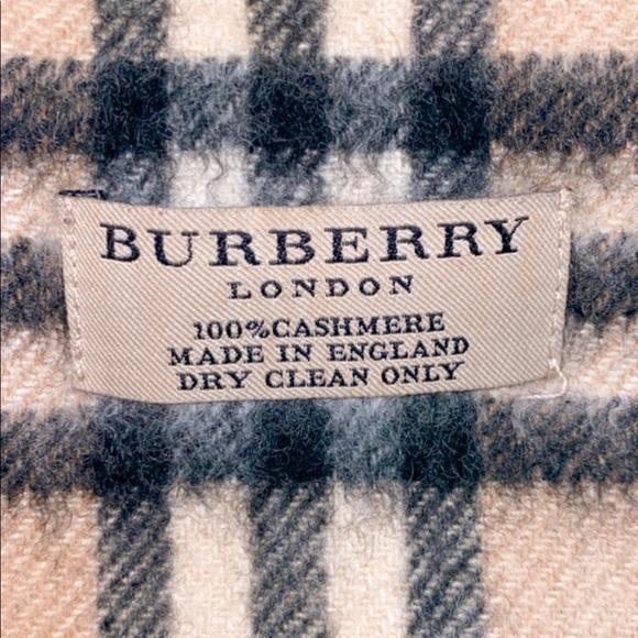 100% Cashmere Burberry Classic Scarf